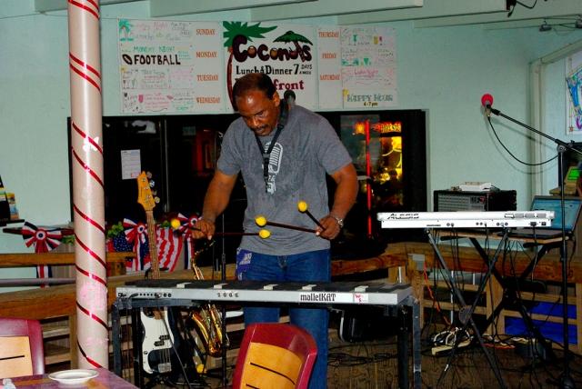 Key Largo 2012 - Kim at Coconuts